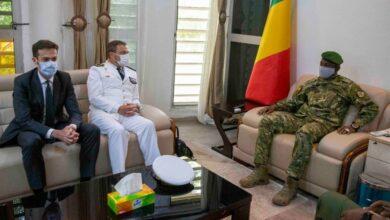 Photo of Suite au silence du président ASSIMI GOITA,                                                          Macron change de fusil d'épaule           L'Elysée envoie des émissaires à Koulouba pour l'adoption d'une ''démarche globale et inclusive''
