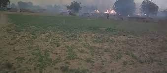 Photo of Centre du Mali : Lance-flammes et Fusils d'assaut, les terroristes martyrisent la région de BANDIAGARA                                         Après Dourou et environs le village de Yaro Bombom déplore 06 morts et des greniers incendiés