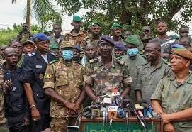 Photo of Boni : Quand les soldats prennent en otage les officiers